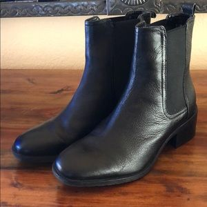 Kenneth Cole Reaction ankle boots